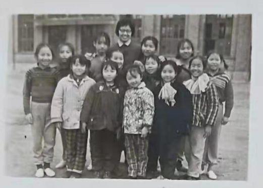 四十年前的湖南宁乡县少年业余体操队,有你认识的吗?插图(16)