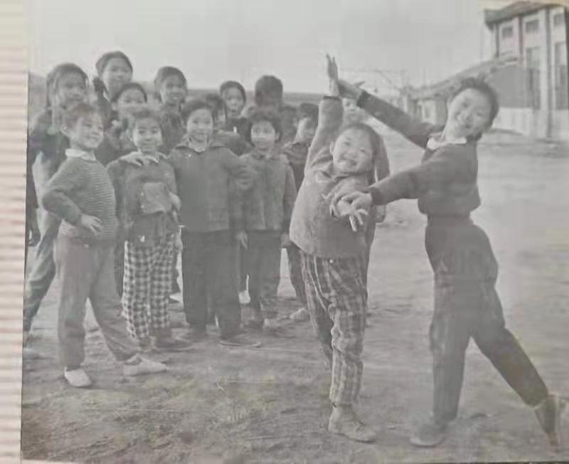 四十年前的湖南宁乡县少年业余体操队,有你认识的吗?插图(6)